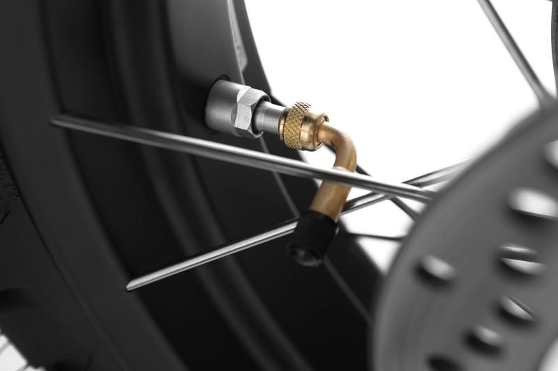 90° Valve stem adapter