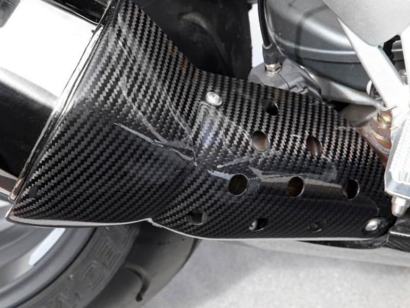 Carbon fibre exhaust heat shield
